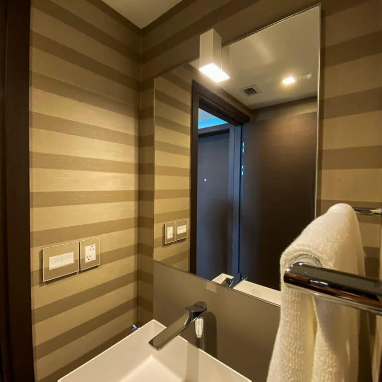 wall covering bathroom
